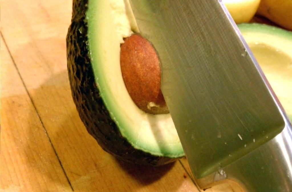 abacate-tirar-a-semente