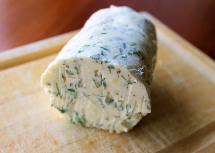 iguaria-manteiga-de-ervas