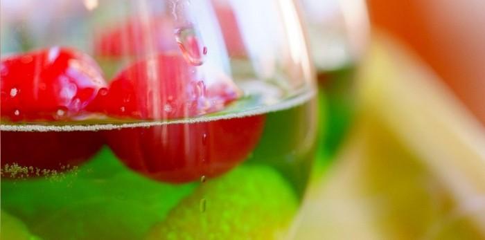 copos-de-gelatina-com-fruta