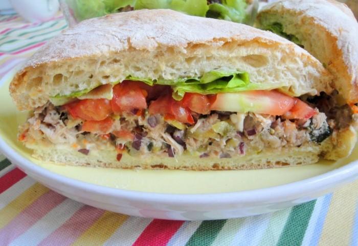 iguaria-sandes-de-salada-de-atum