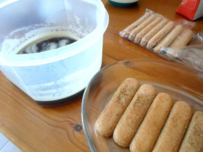 mini-tiramisu-cafe-palitos-champanhe