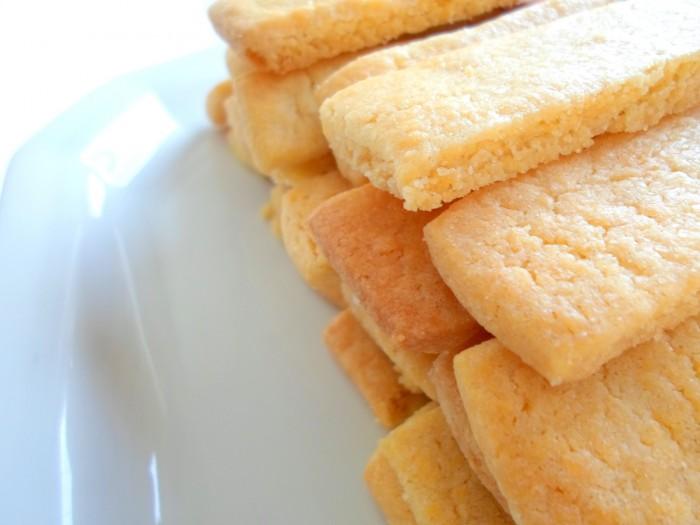 iguaria-biscoito-manteiga-pilha