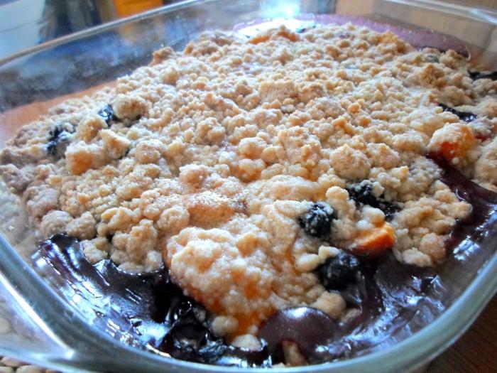 iguaria-crocante-pessegos-mirtilos