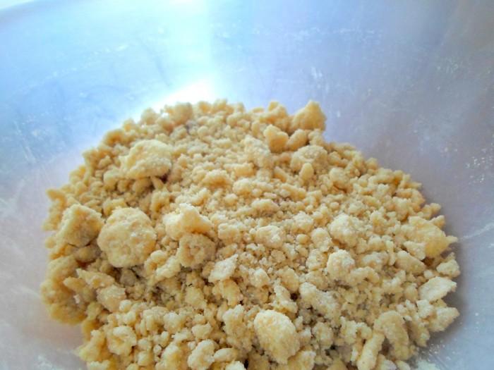 iguaria-crocante-pessegos-mirtilos-crumble