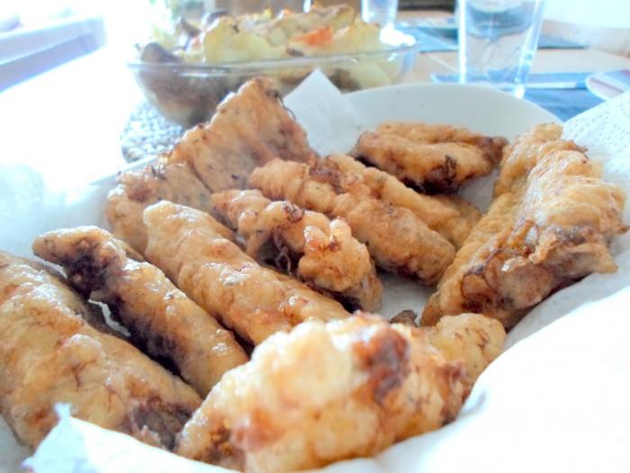 iguaria-pescada-frita-acompanhamento