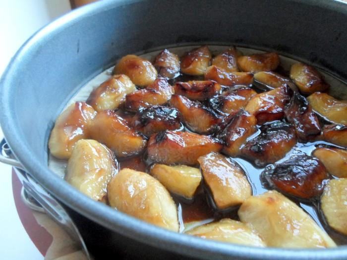 iguaria-dispor-macas-caramelizadas