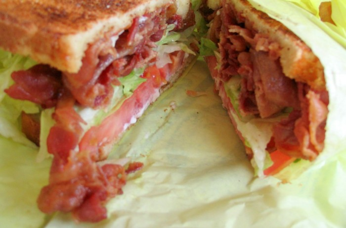 iguaria-sandes-bacon-alface
