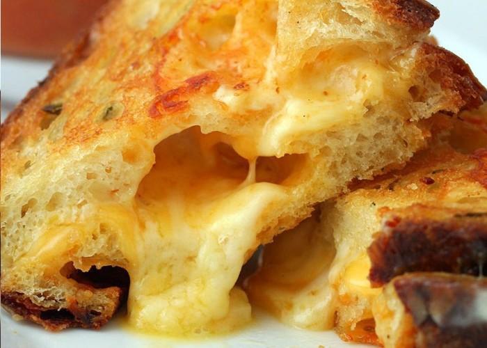 iguaria-tosta-de-2-queijos