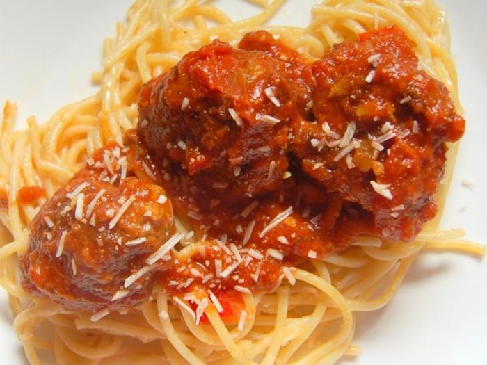 receita-almondegas-molho-tomate