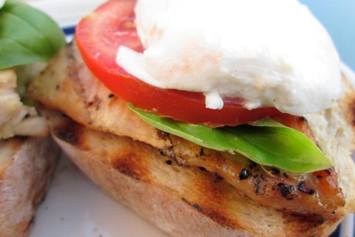 sandes-de-frango-salada-caprese