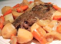 Carne Assada com Batatas e Cenouras