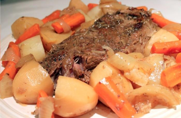 Carne-Assada-com-Batatas-Coradas