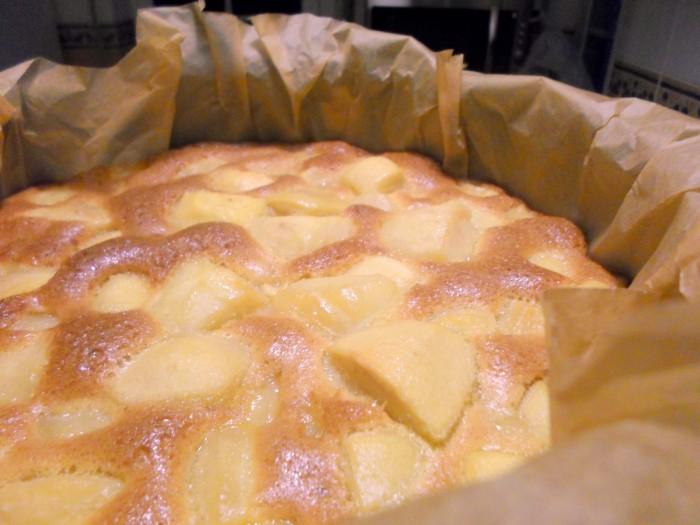 bolo-de-maca-quentinho