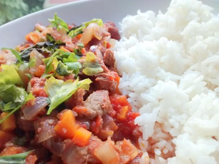 Carne-Estufada-com-Arroz-Branco