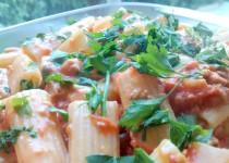 Macarrão com Molho de Tomate e Atum