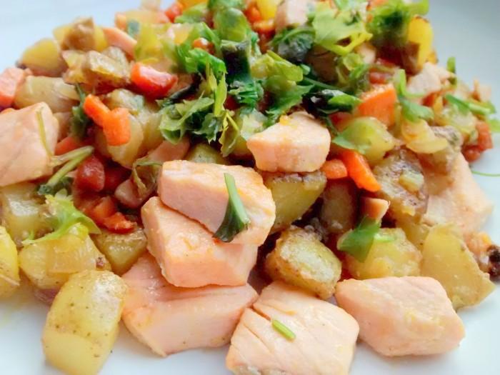 Salada-de-Batata-com-Salmao-Coentros