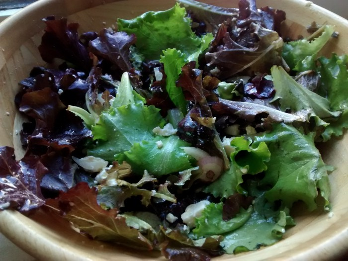 Salada-de-Alface-Cebola-Feta