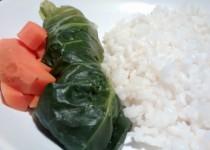 Salsichas Frescas enroladas em Couve Lombarda