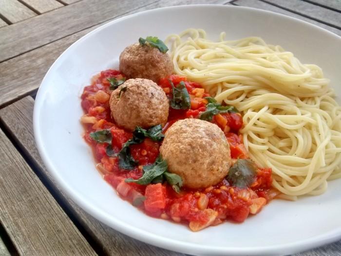Almondegas-de-Soja-com-Esparguete