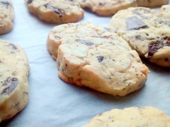 Biscoitos-de-Chocolate-e-Amendoas