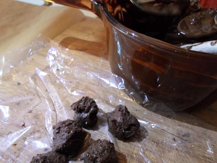 Cobrir-Trufas-com-Chocolate