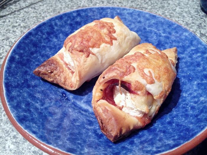 Folhados-de-Camembert-Chouricao