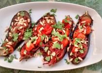 Beringelas Assadas com Tomates Agridoces