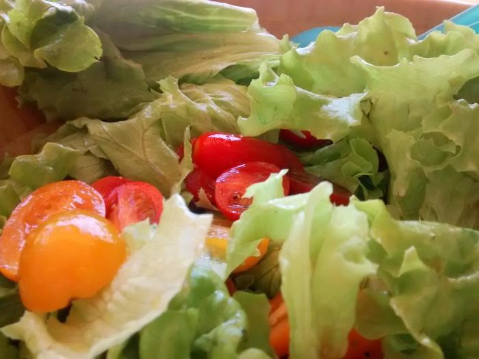 Salada-com-Tomates-Cherrry