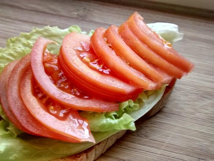 Iguaria_Dispor-Alface-e-Tomate