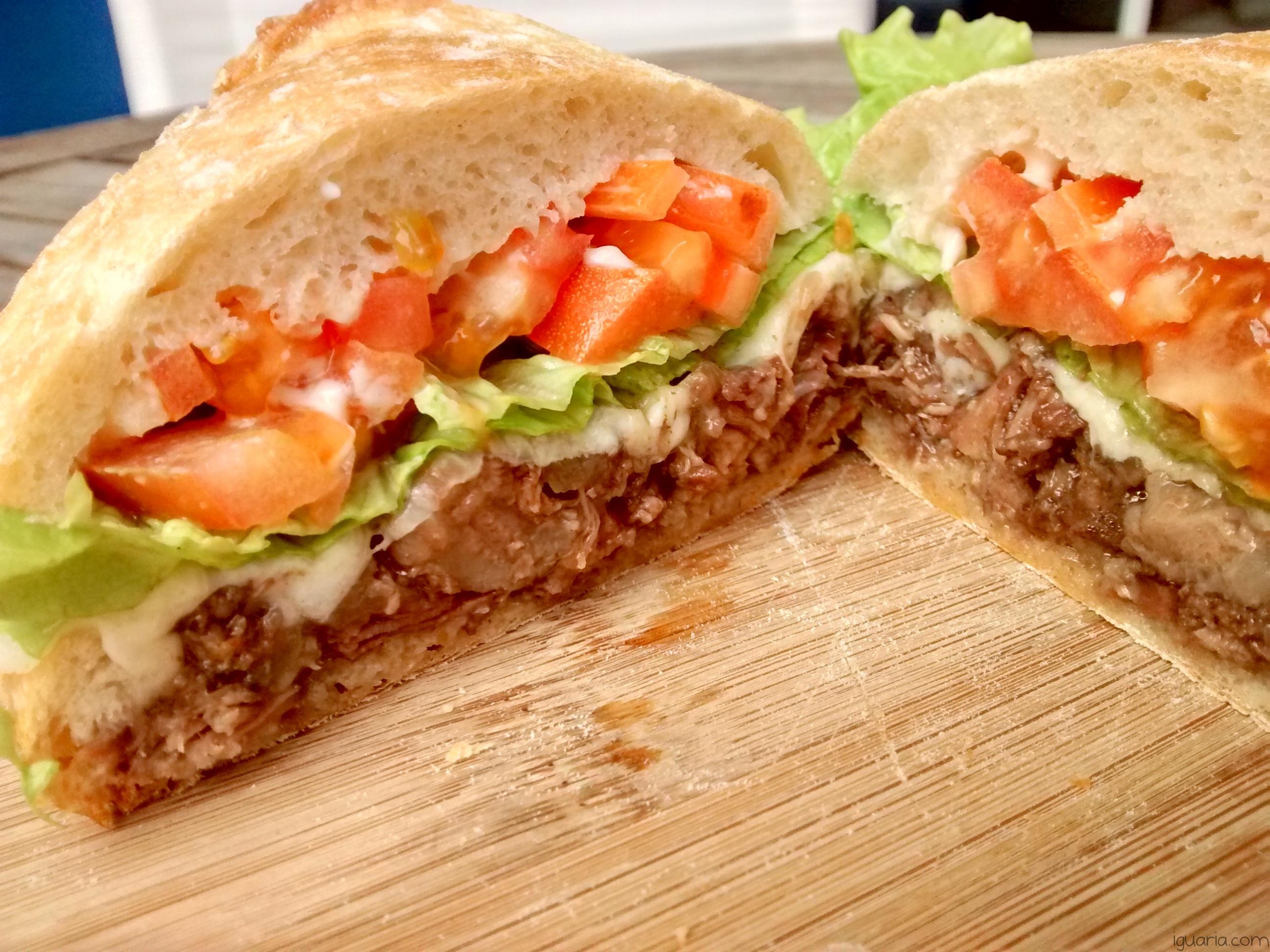 Iguaria_Sandes-Salada-Carne-Guisada