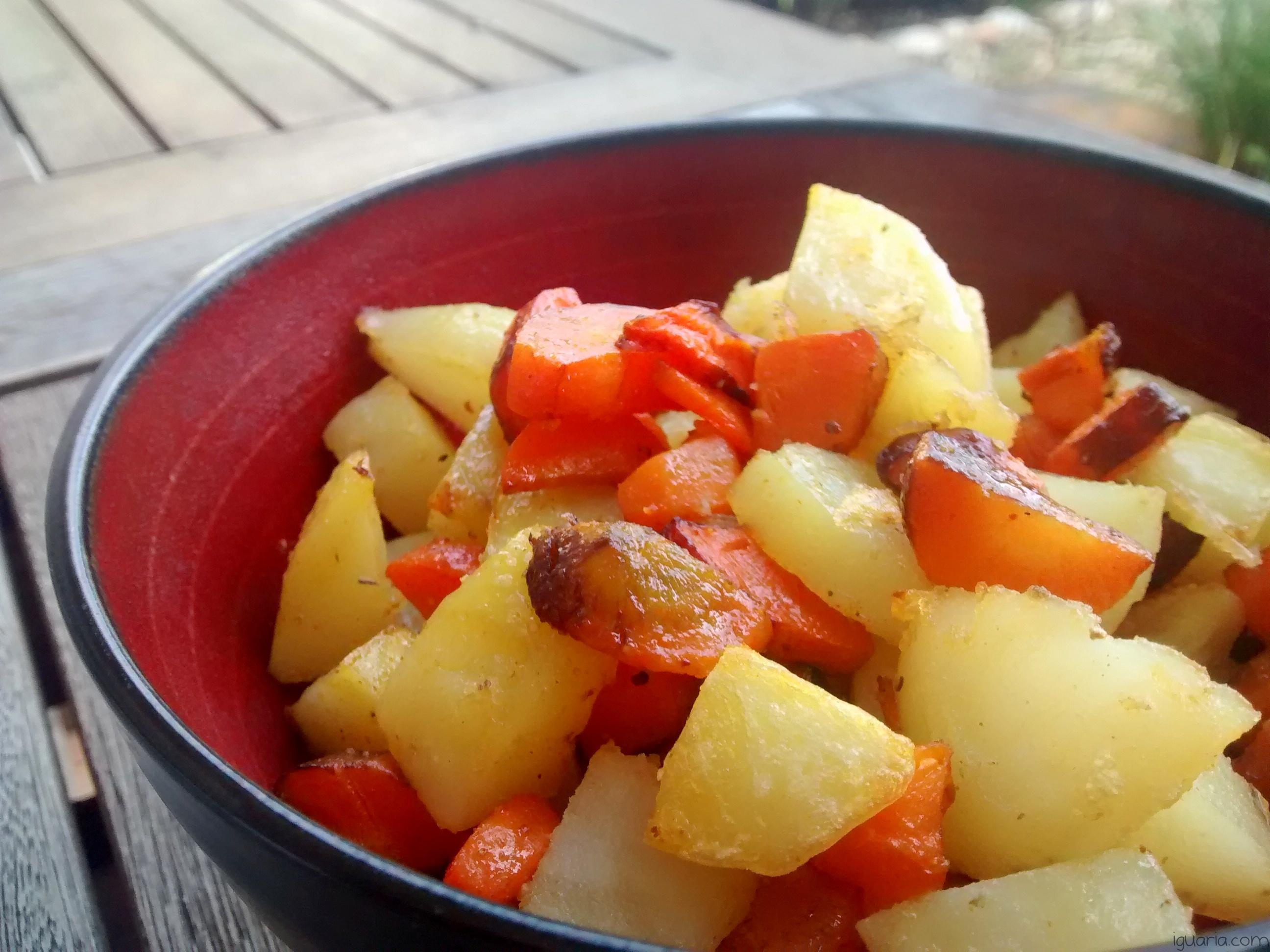 Iguaria_Acompanhamento-Batatas-e-Cenouras-Assadas