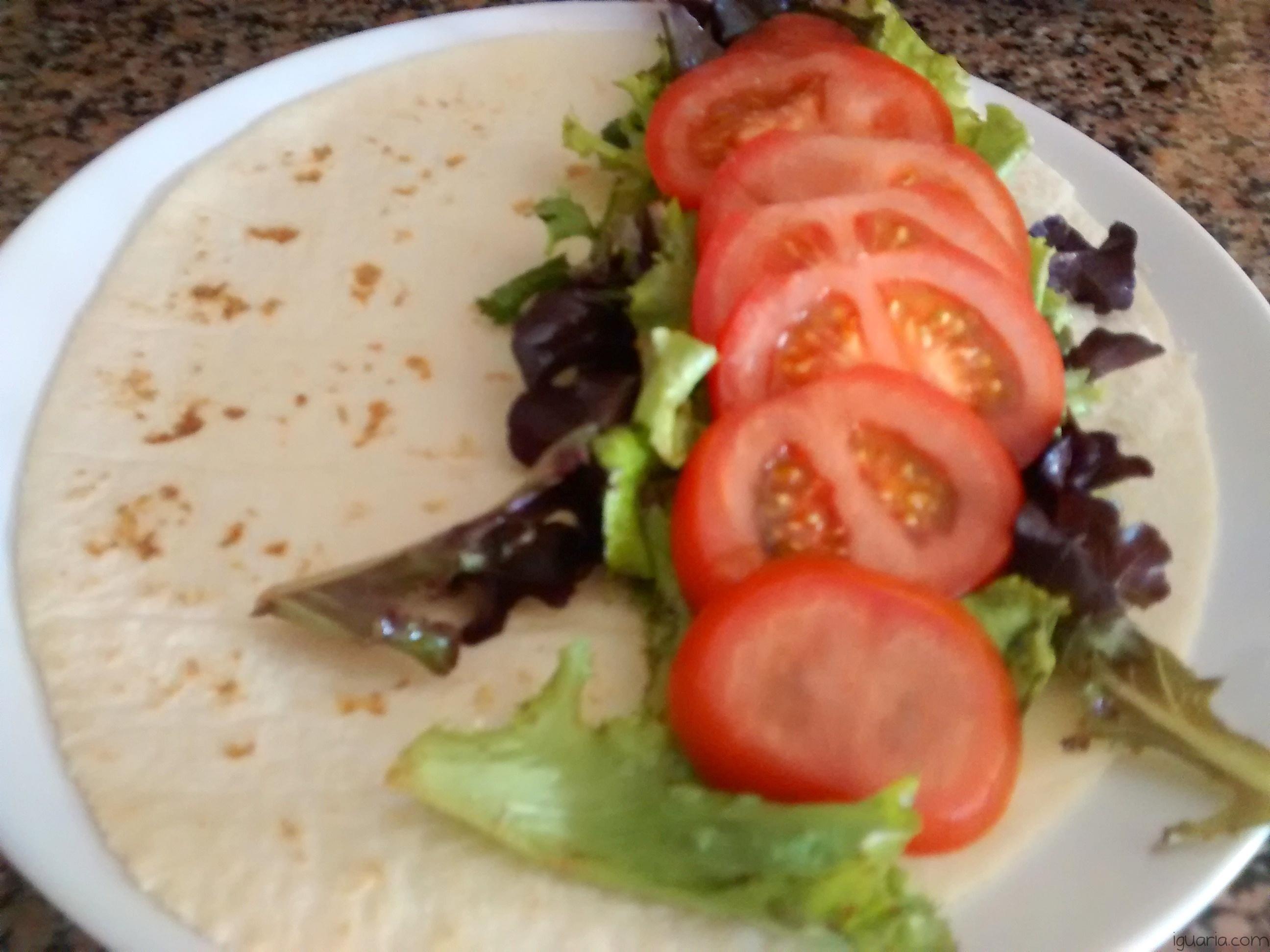 Iguaria_Adicionar-Tomate-e-Salada