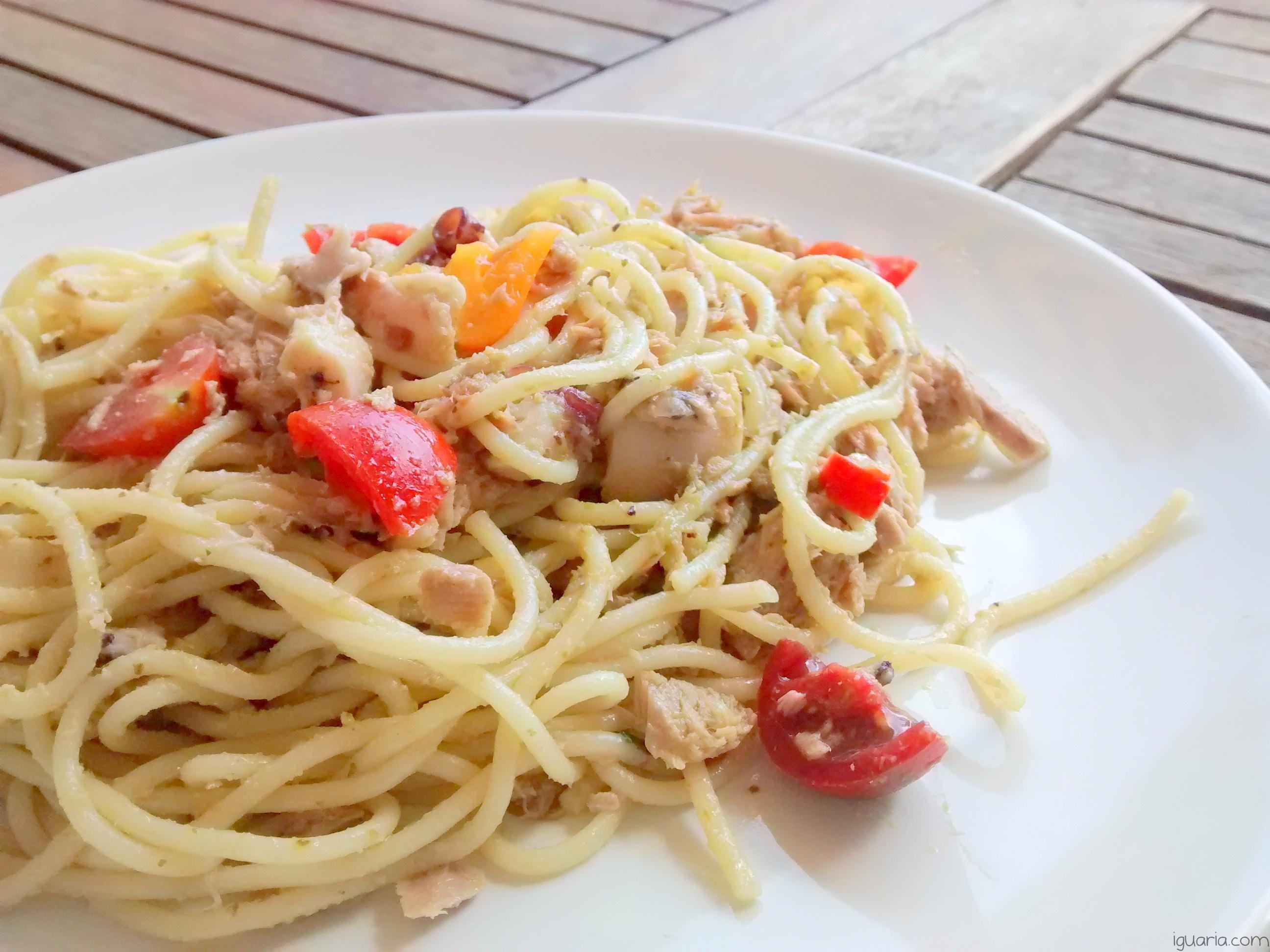 Iguaria_Massa-com-Tomate-e-Atum