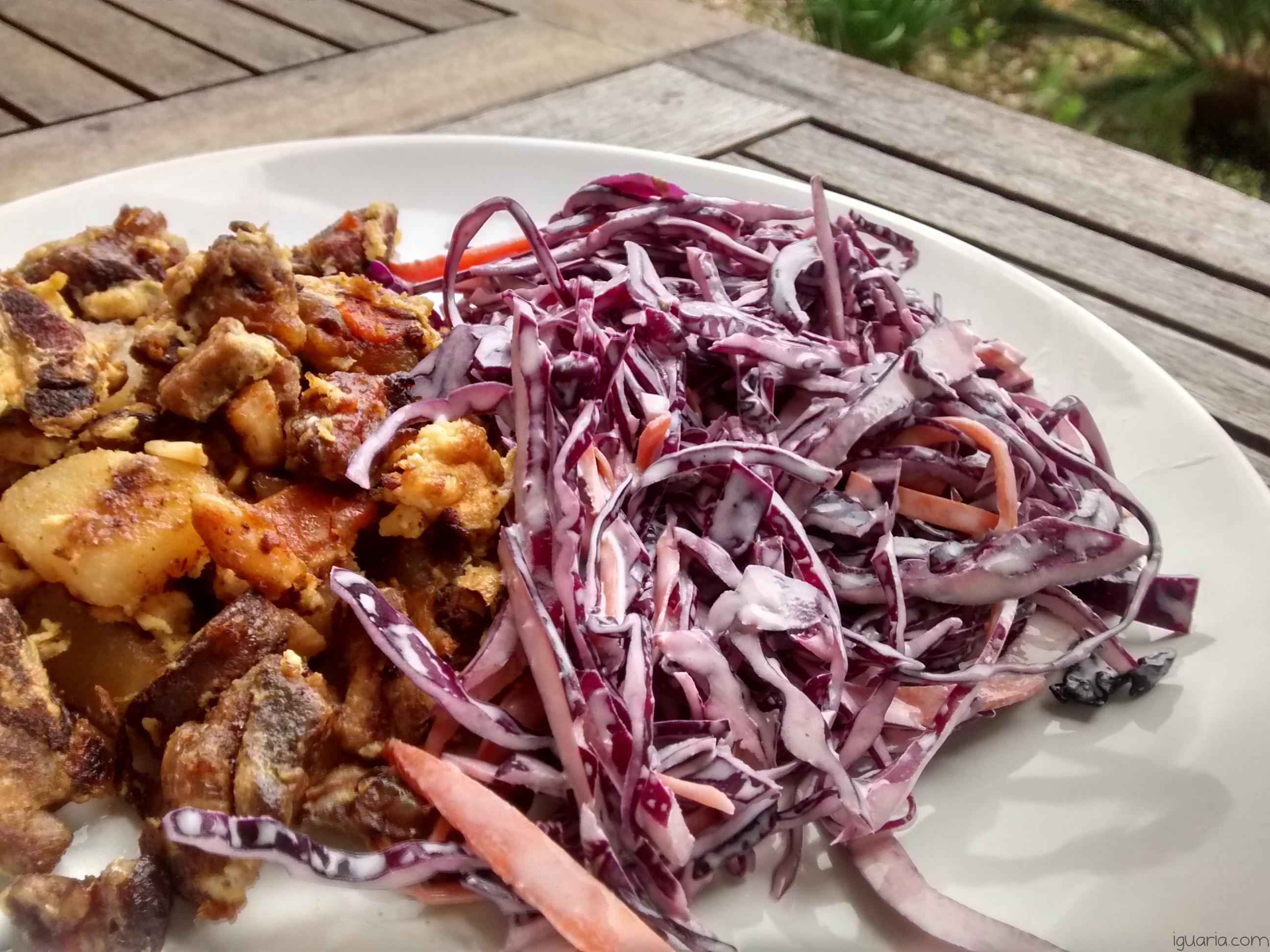 Iguaria_Porco-Batatas-e-Ovo-Frito-com-Salada