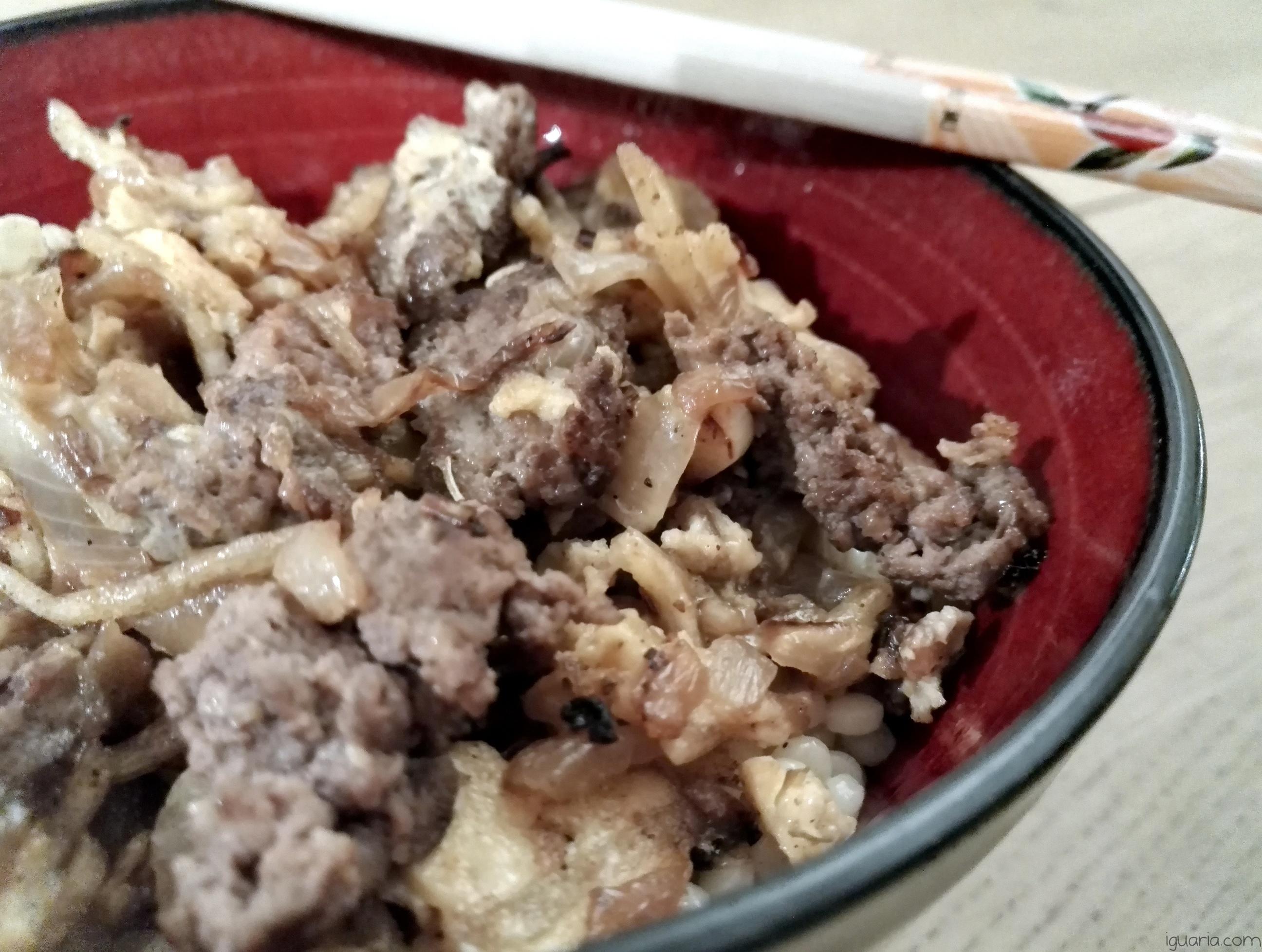 Iguaria_Cuscus-com-Carne-e-Ovo