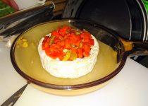 Queijo Brie Assado com Pimentos