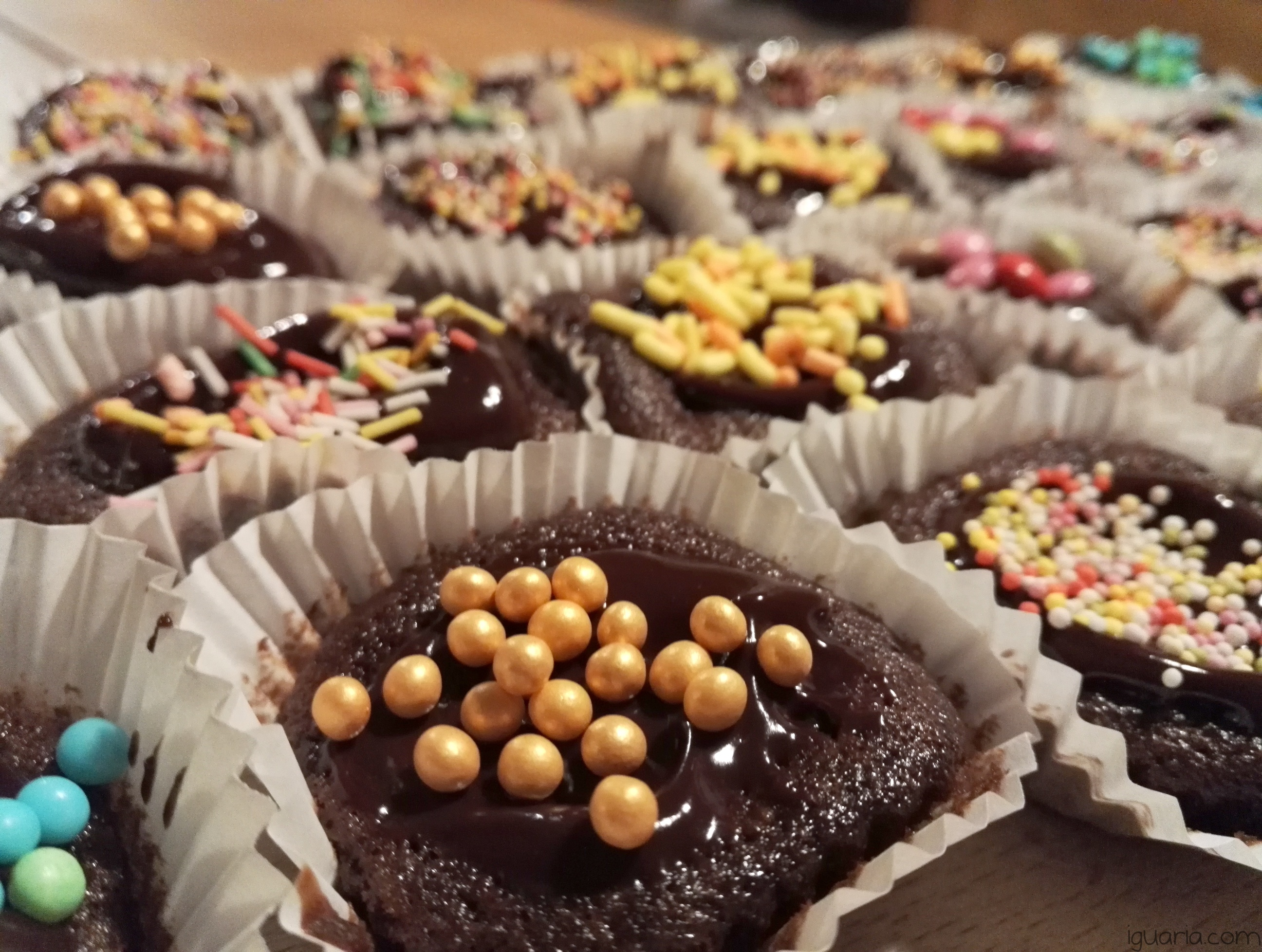 Iguaria_Queques-de-Chocolate-Decorados