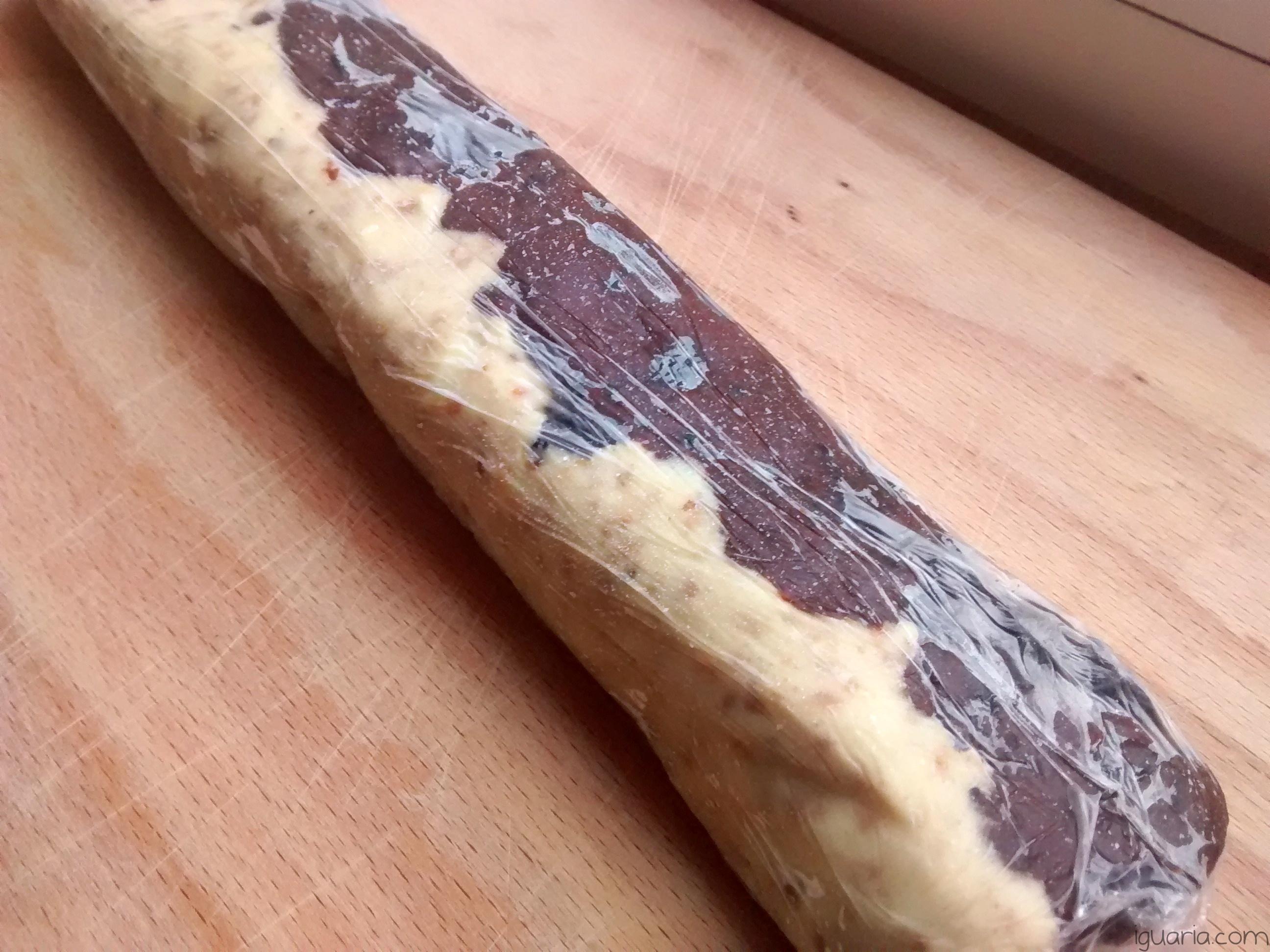 Iguaria_Retirar-Rolo-Massa-Cookie-Congelado