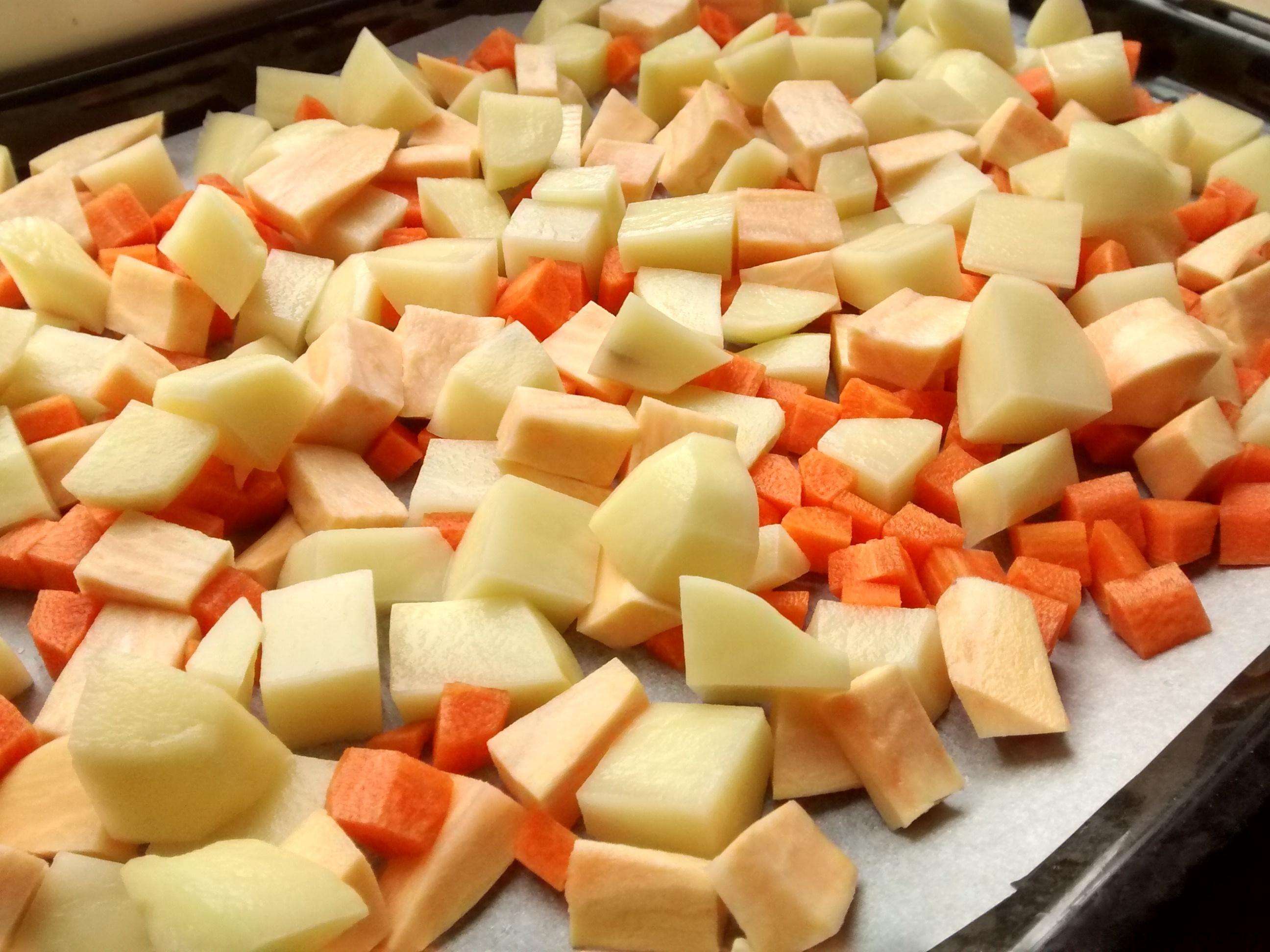 iguaria-cortar-batata-cenoura-cubos