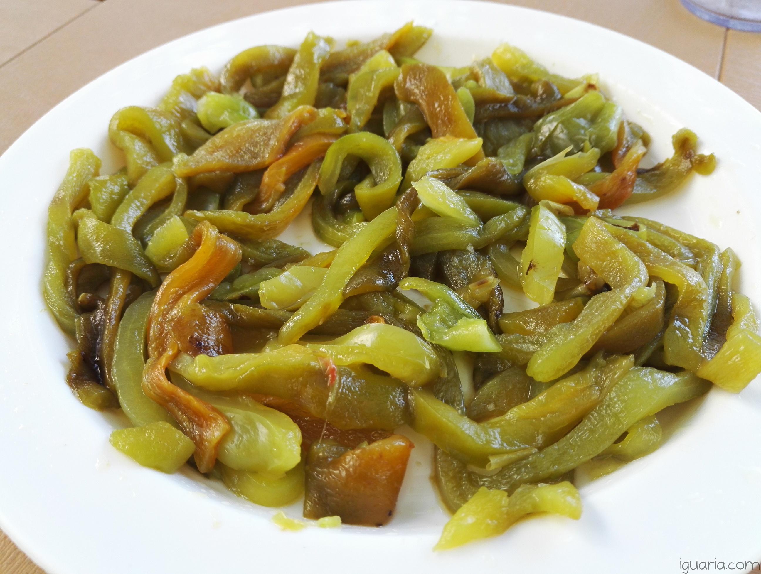 iguaria-pimentos-verdes-assados-temperados