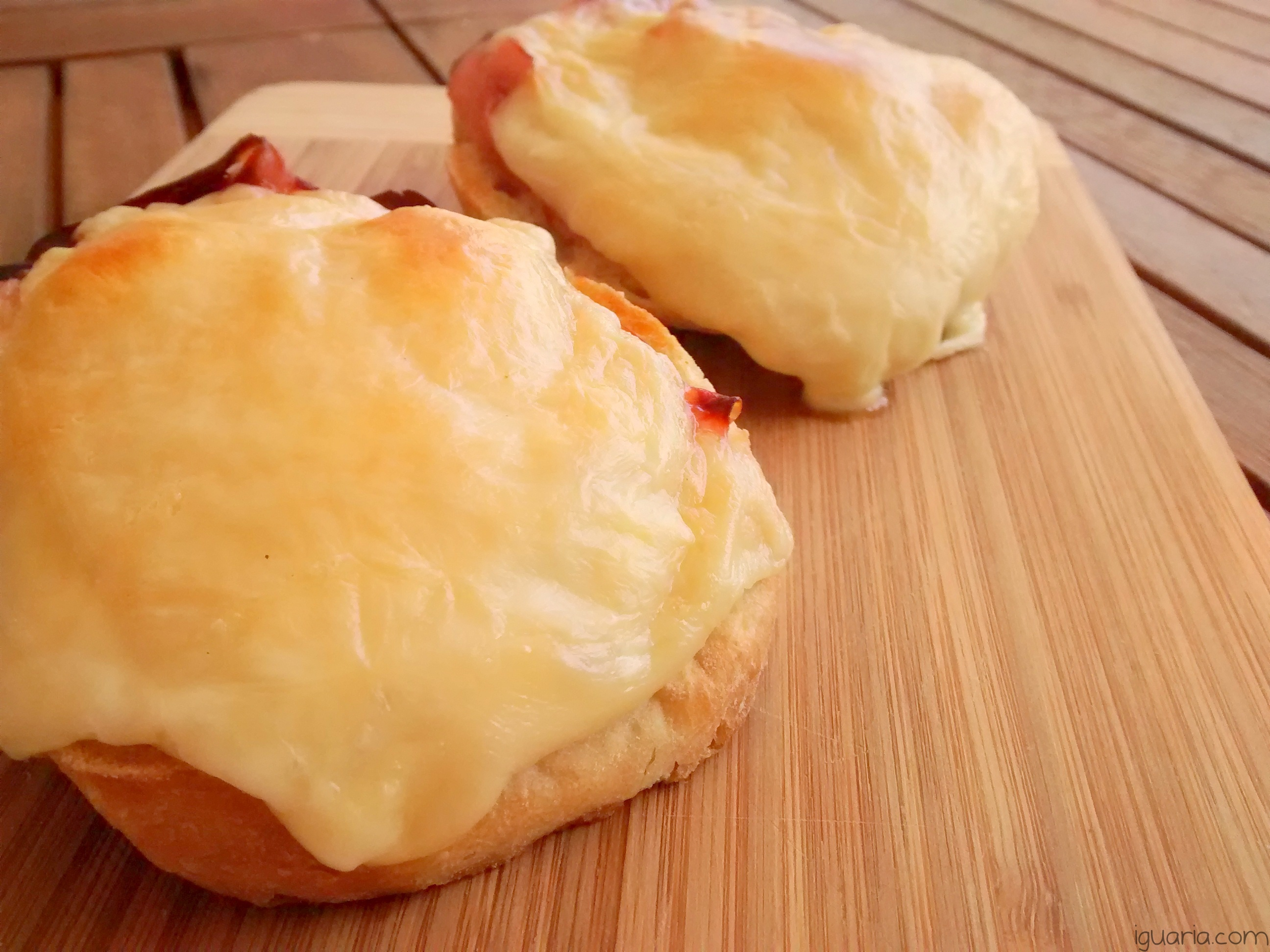 iguaria-tosta-de-fiambre-picante-e-queijo-gratinado