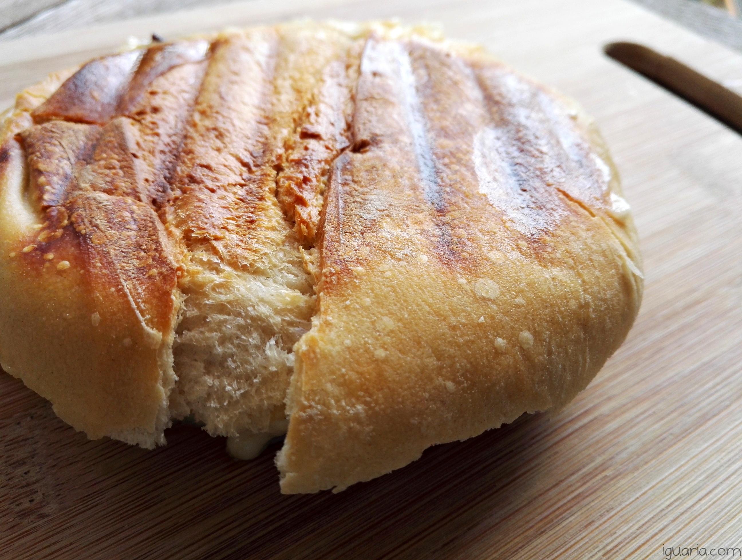 iguaria-tosta-de-leitao-e-queijo