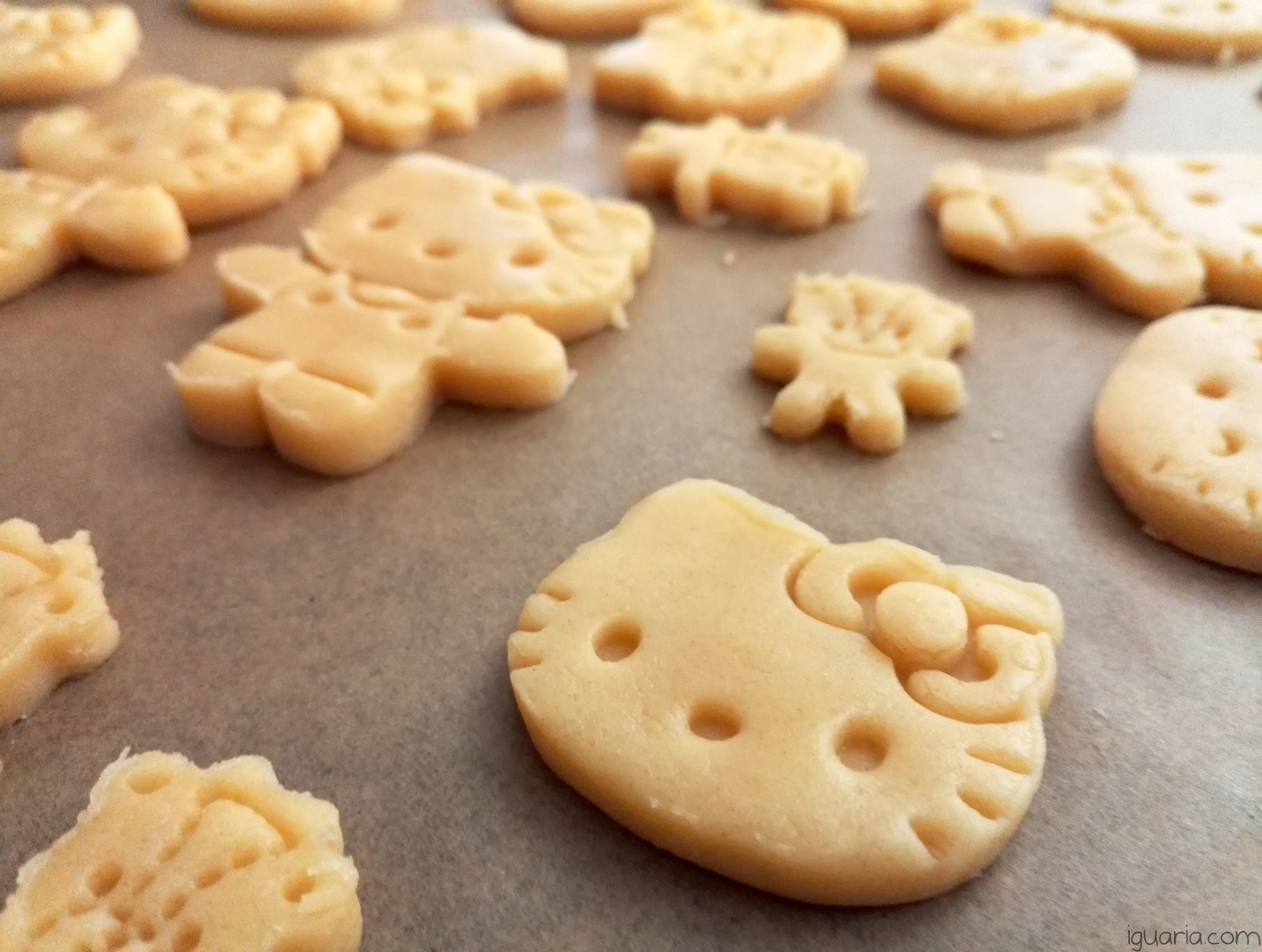 iguaria-biscoitos-hello-kitty-moldados