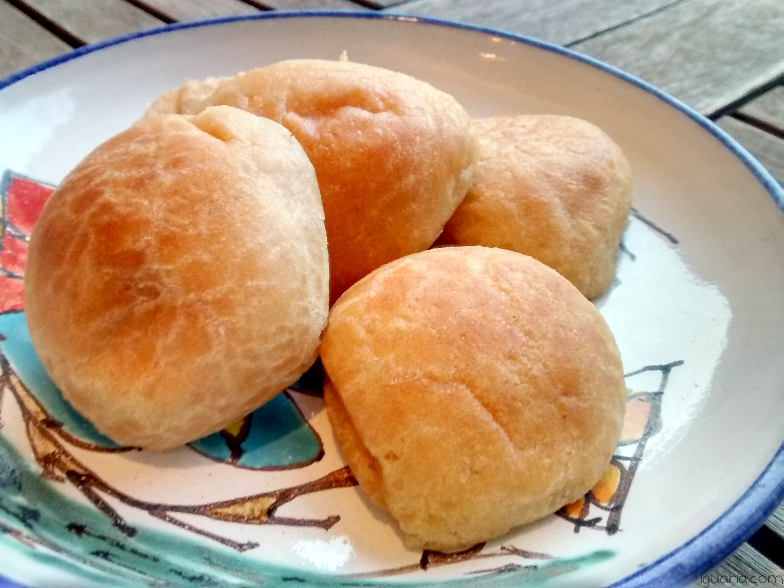 iguaria-bolinhas-de-queijo-brasileiras