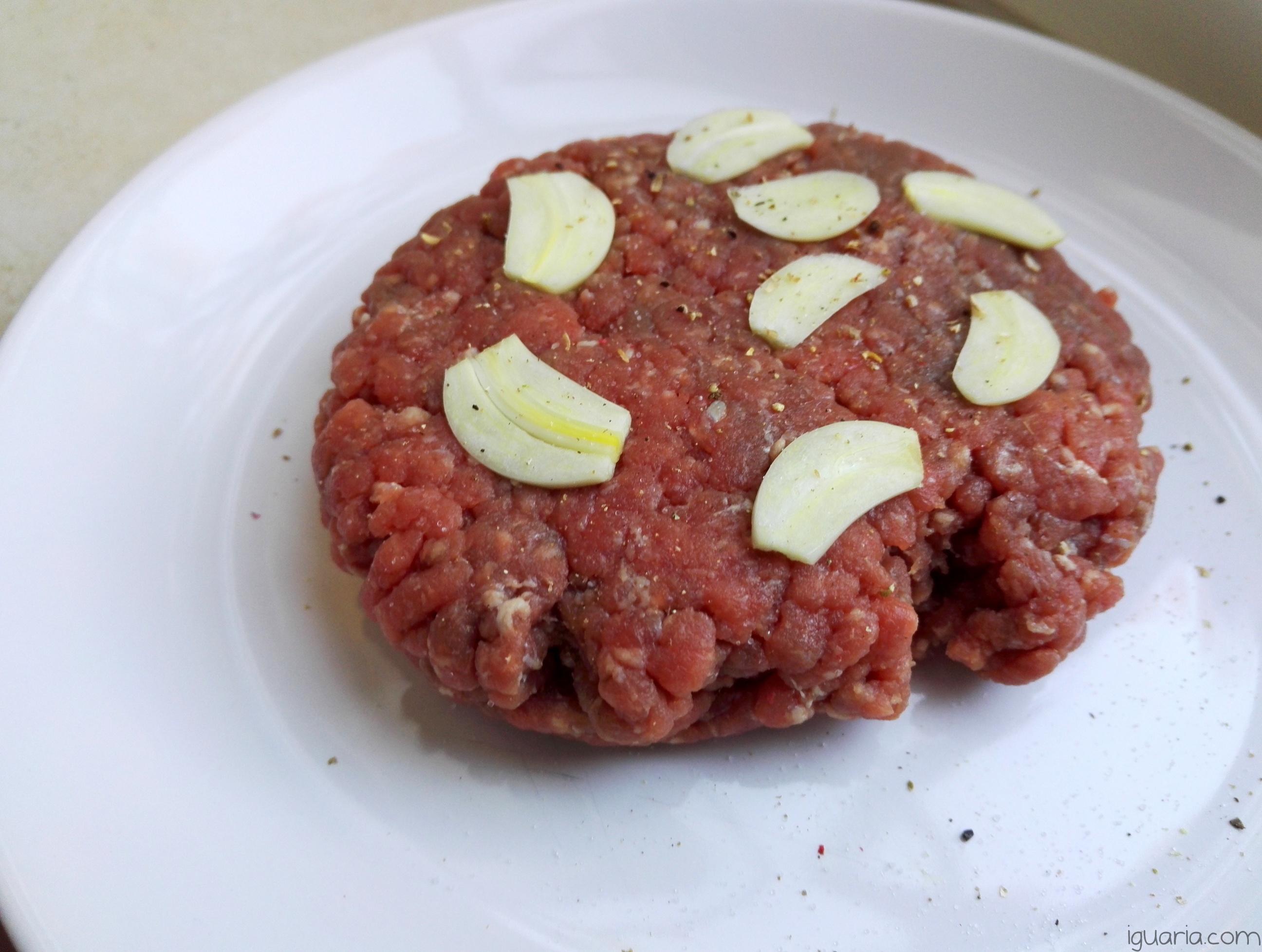 iguaria-carne-picada-com-alho