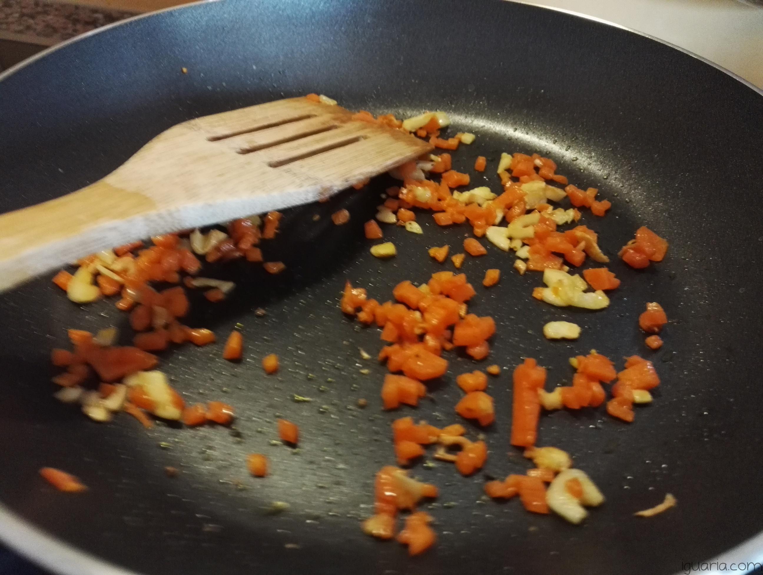 iguaria-cenoura-alho-fritos