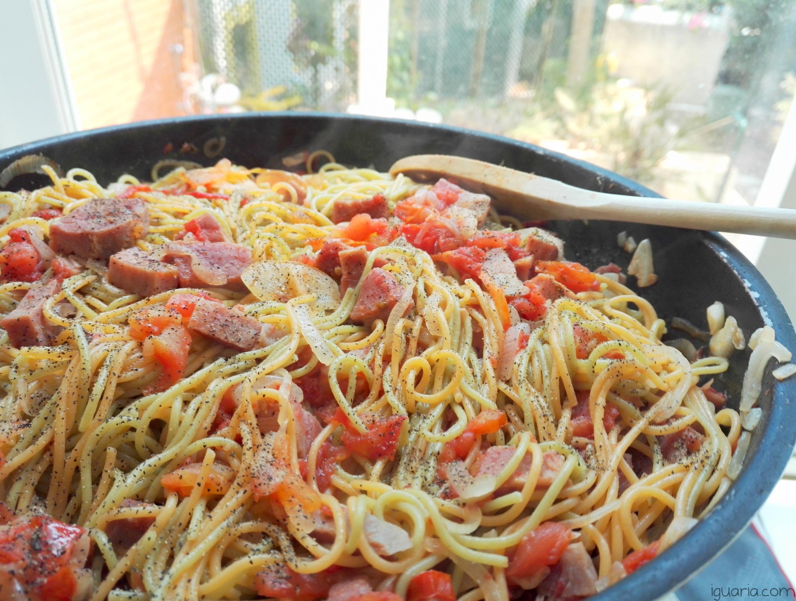 iguaria-esparguete-com-fiambre-fumado