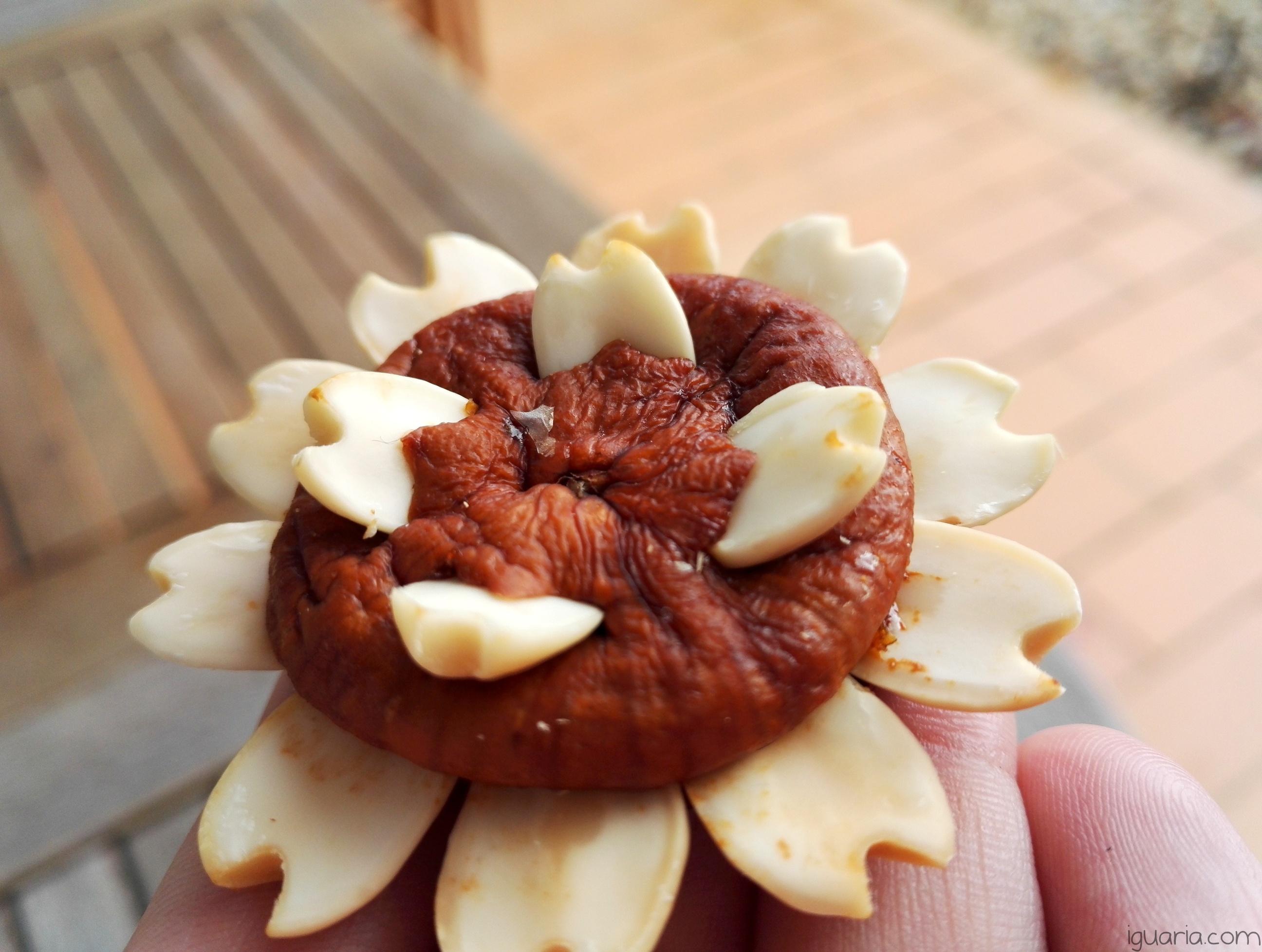 iguaria-estrela-de-figo-seco-com-amendoa
