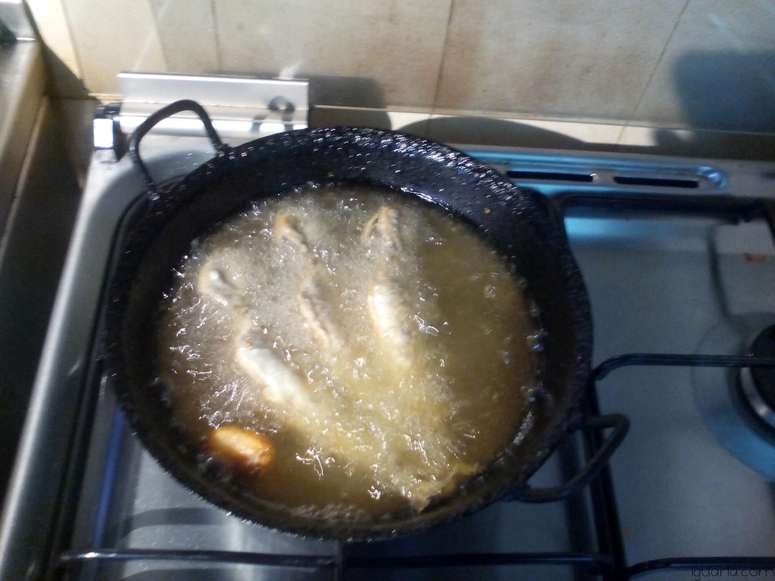 iguaria-fritar-as-sardinhas
