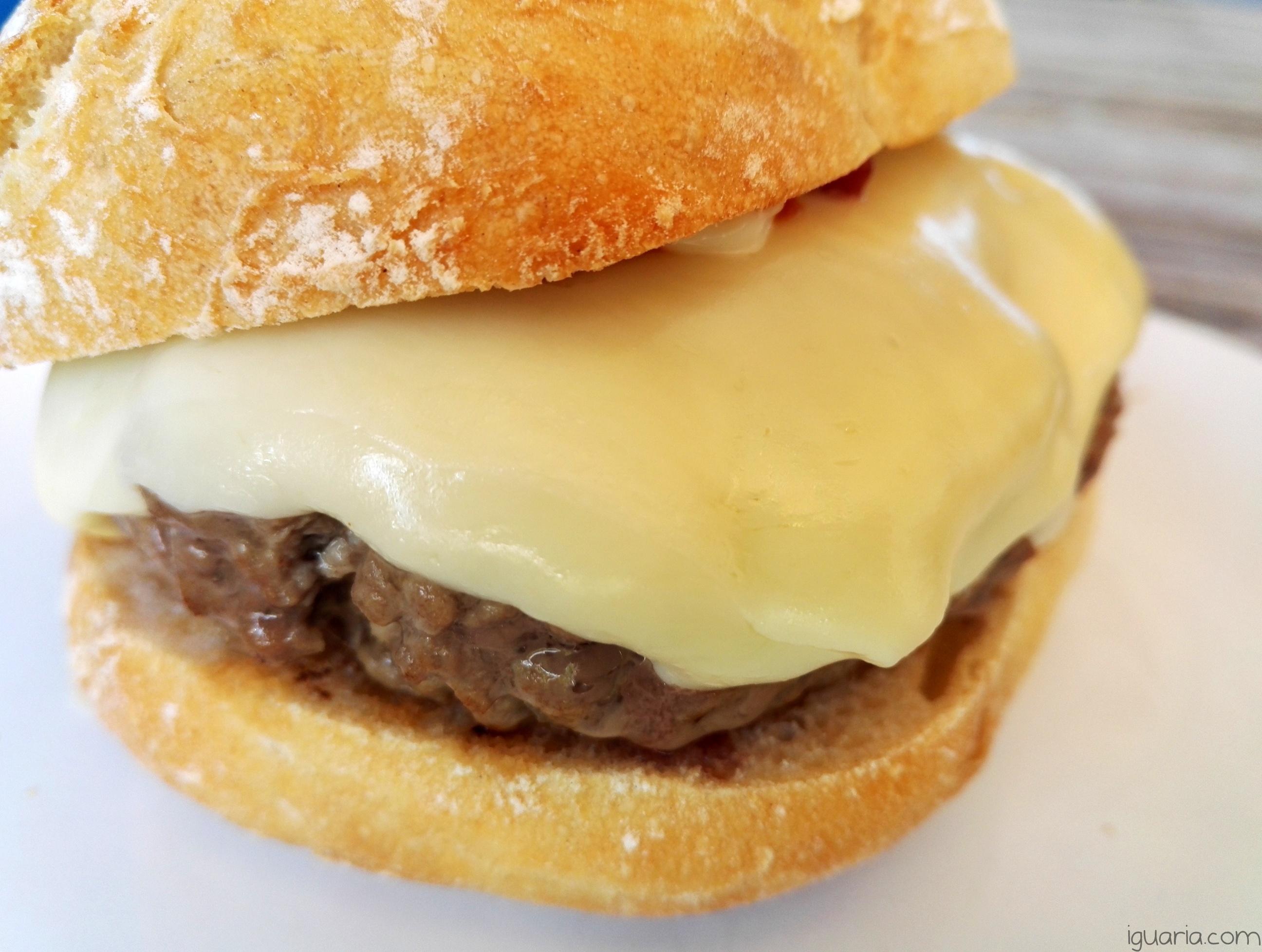 iguaria-hamburguer-gigante-queijo